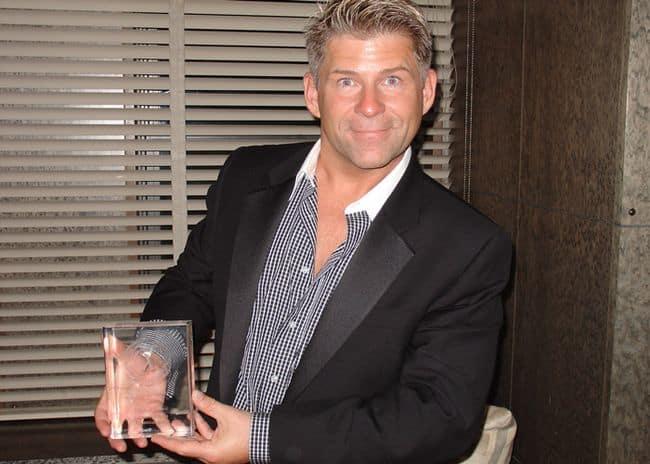 Anthony Bidulka wins Lambda Literary Award 2005